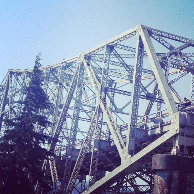 Bridge of the Gods - the threshold to Washington