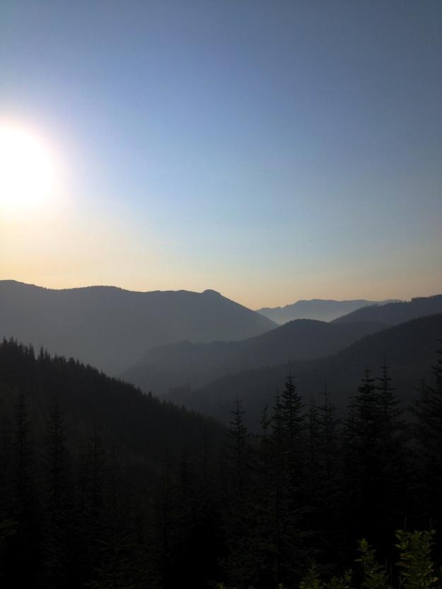 Sunset light over the Cascades